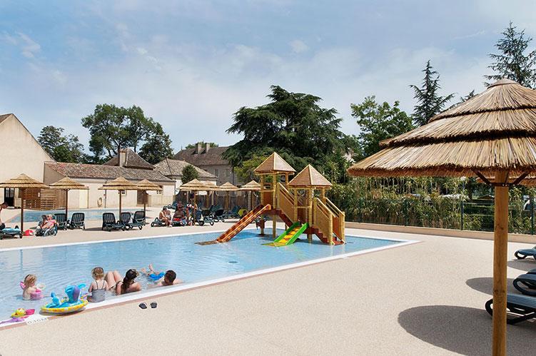 Camping france 5 stars bourgogne bourgogne camping for Camping bourgogne piscine
